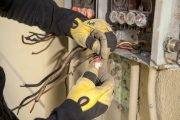 When Should I Hire An Electrician?